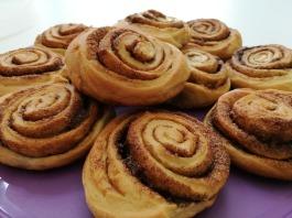 cinnamon-rolls-3655731_1920